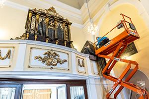 Anlieferung AHLBORN - Kirche am Kahlenberg